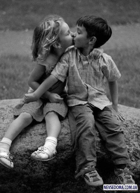 Первый поцелуй, поцелуй, дети