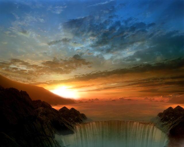 Восход солнца над водопадом,