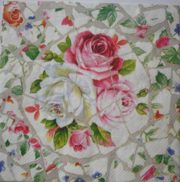Мозаика из роз, подушка,