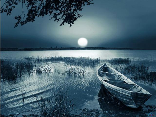 Лодка под луной, луна, вода,