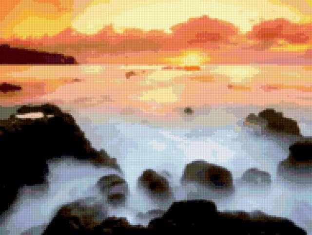 Восход солнца над морем,