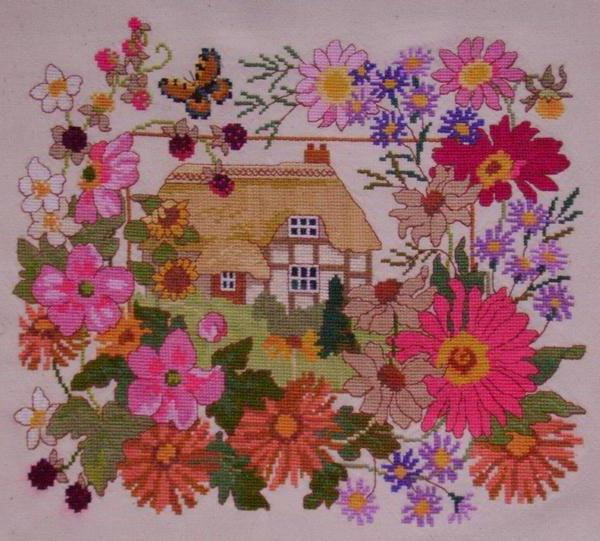 Домик в саду, домик, цветы,