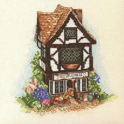 Дом в английском стиле, домики