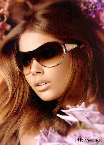 Девушки в строгих очках