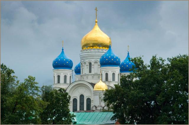 Купола, купола, церковь