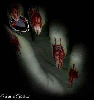 The blood on her hands, gotica