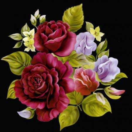 Подушка розы на черном,