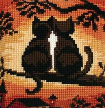 Подушка-кошки, подушка, кошка,