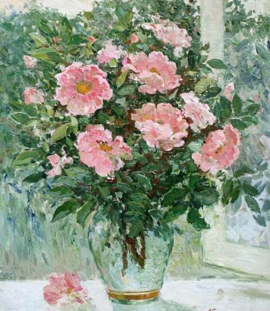 Шиповник в вазе, цветы .букет