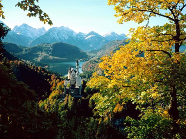 замок Neuschwanstein в Баварии
