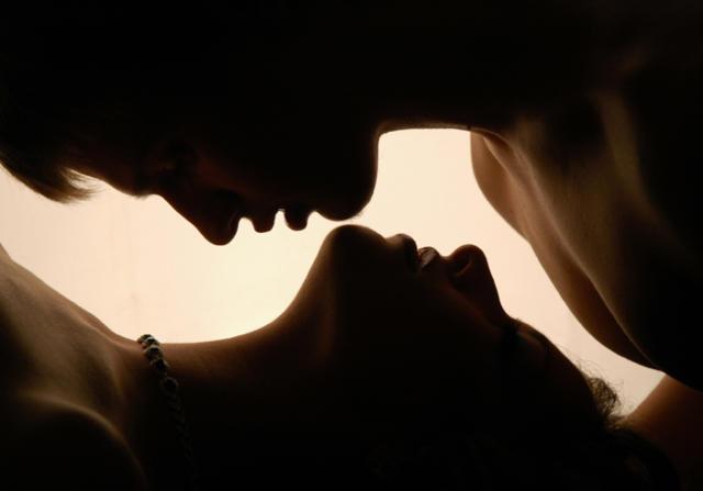 Страсть, поцелуй, любовь