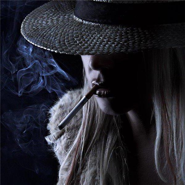 Леди с сигарой, оригинал