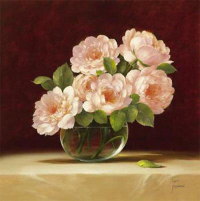 Розы в стеклянной вазе,