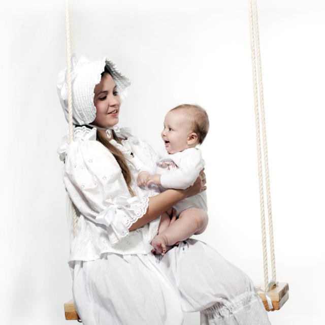 Девушка с ребенком, оригинал