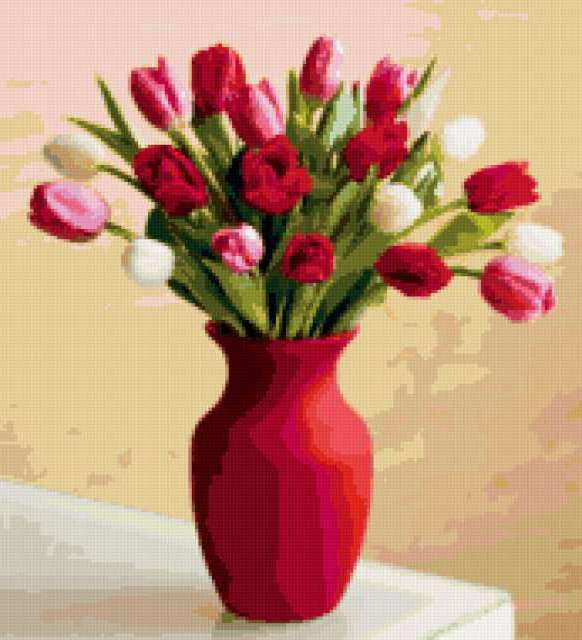 Букет тюльпанов в красной вазе