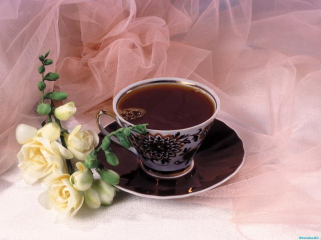 Фото чашки кофе с цветами