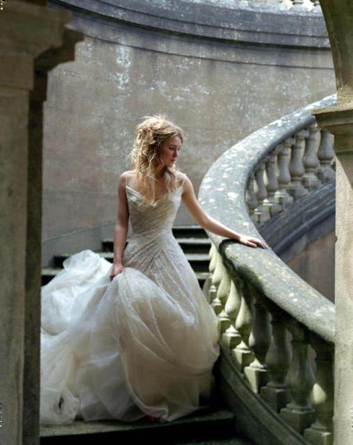 Фото на лестнице девушка