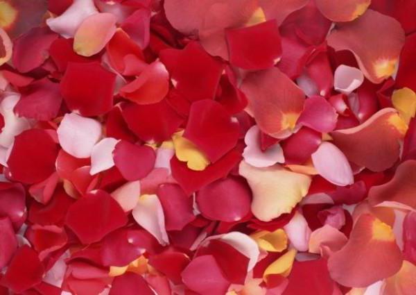 Розы из бисера в греческой