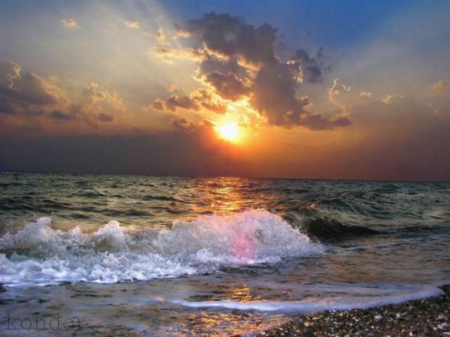 Закат на море,