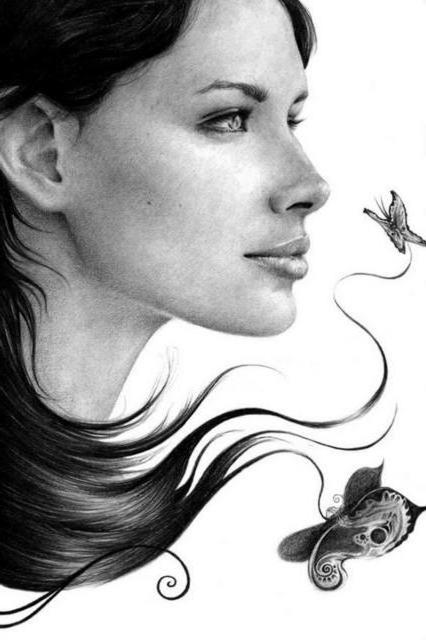 Девушка и бабочки.