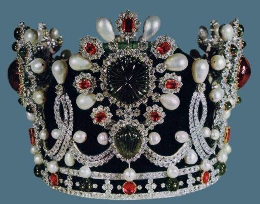 К схеме вышивки «Корона» нет