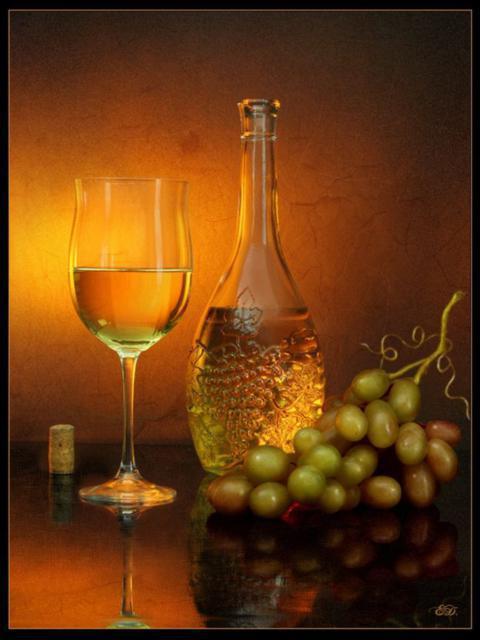 Виноград и белое вино,