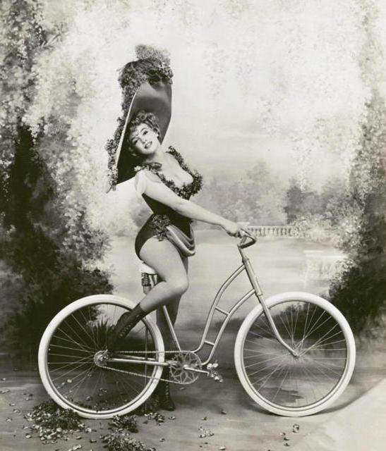 Старый велосипед, дама, ретро,