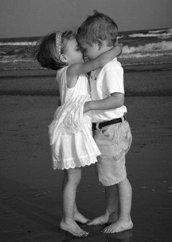Первый поцелуй, пара, поцелуй,