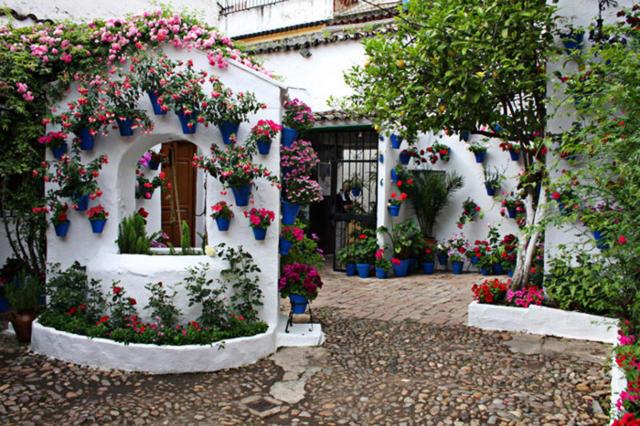 Цветочные дворики Испании