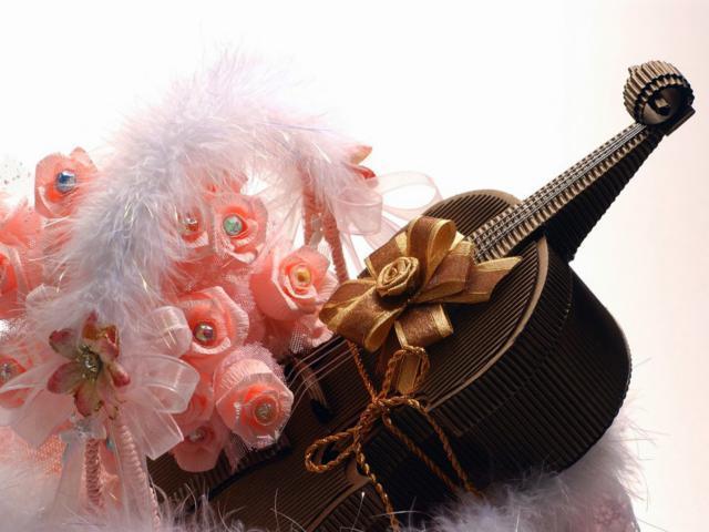 Цветы и шоколадная скрипка,