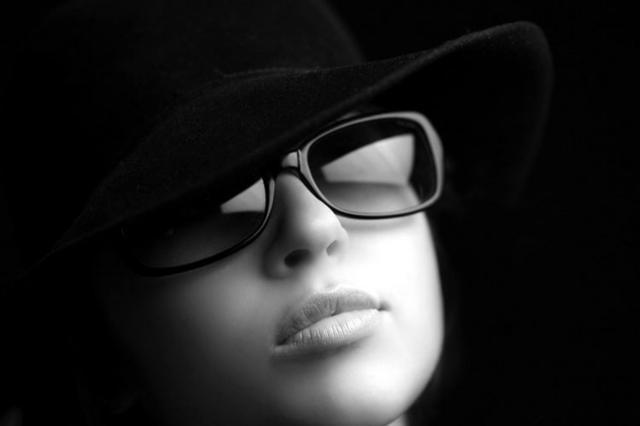 фото девушки в шляпе