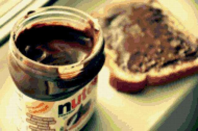 Нутелла с хлебом, предпросмотр