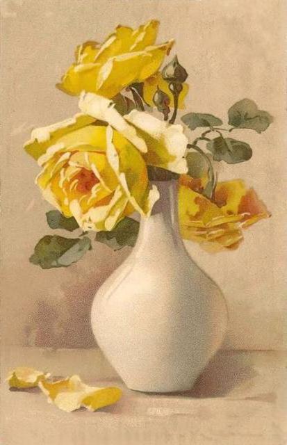 Желтые розы в белой вазе,